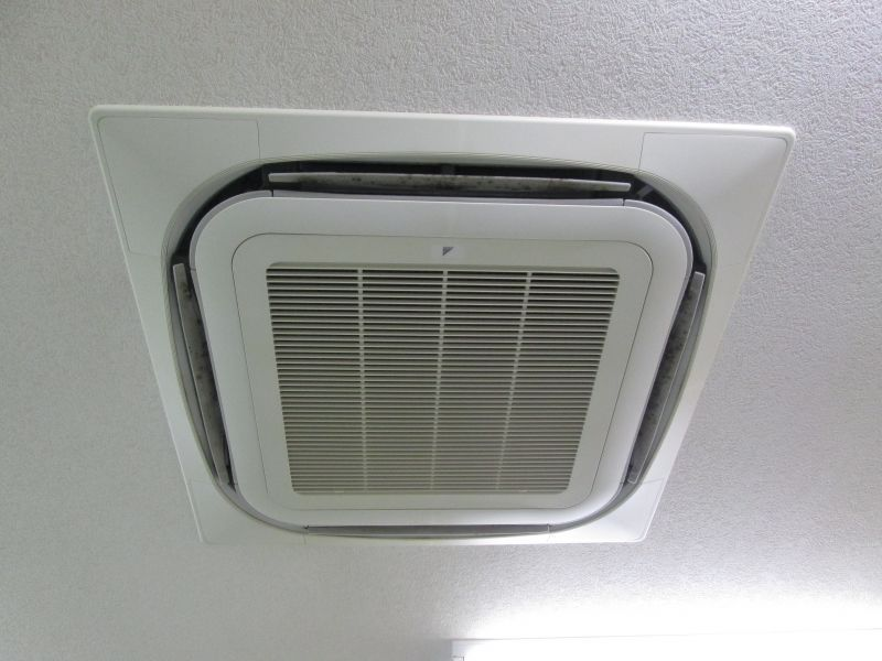 ダイキン 業務用エアコン修理 エラー表示なし(電源入らない)室内機:FHYCP160K 室外機:RZYP160K 施工日2016年6月22日